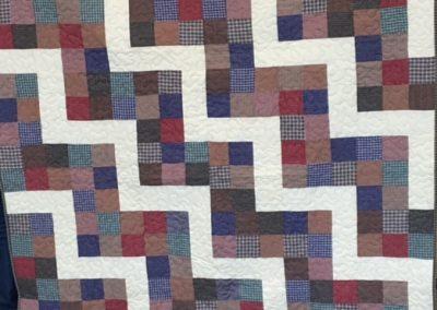Diane Boheman, Holly Bresee, Linda Hoefert & Pat Stensland – SF SD, Homespun zig zag, Pieced & machine quilted, Multi plaids homespun