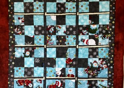 Snowman Lap Quilt – 39x49 – Pieced & Machine Quilted – Grey, Sky blue, Dark red – Made by Jean Johnson – Windom, MN